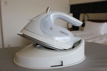 GRAND PRINCE HOTEL KYOTO Iron/Ironing Board
