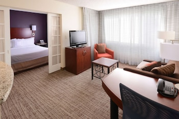 Room, 1 Queen Bed with Sofa bed, Accessible