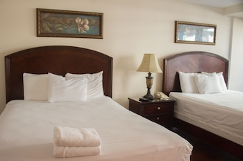 Standard 2 Bedroom 2 Queen & 2 Twins Balcony/Kitchen