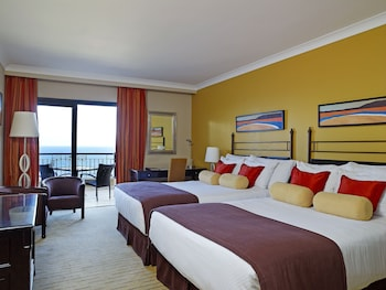 Deluxe Room, 2 Double Beds, Sea View (Family)