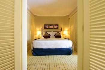 Junior Suite, 1 Queen Bed, Sea View