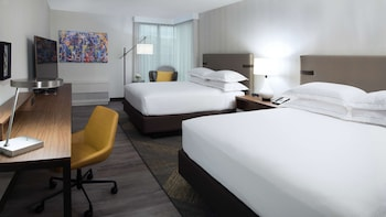 Superior Room, 2 Queen Beds (Mobility & Hearing, Accessible Bathtub)