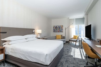 Premium Room, 1 King Bed with Queen SofaBed