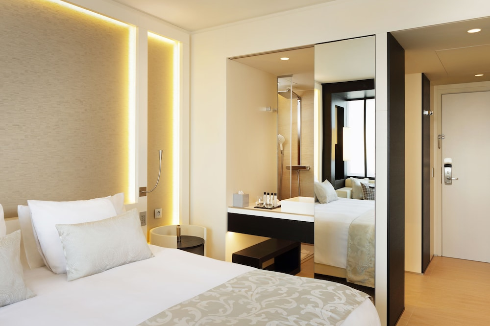 ザ ホテル