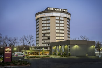 Hotel - Crowne Plaza Saddle Brook