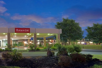Hotel - Ramada by Wyndham Louisville North