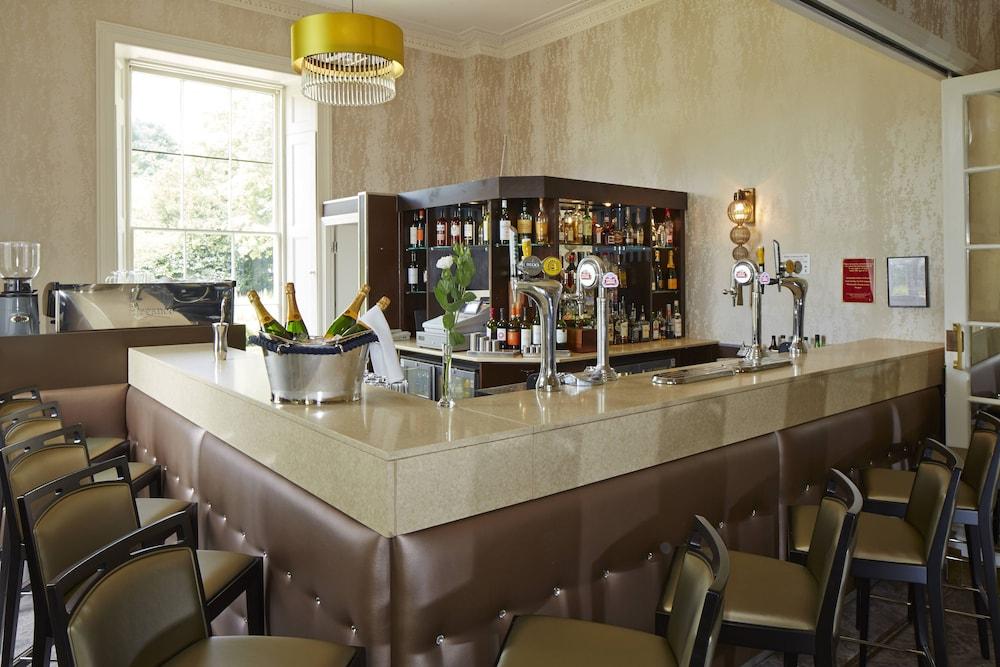머큐리 뉴베리 엘코트 파크 호텔(Mercure Newbury Elcot Park Hotel) Hotel Image 28 - Hotel Bar