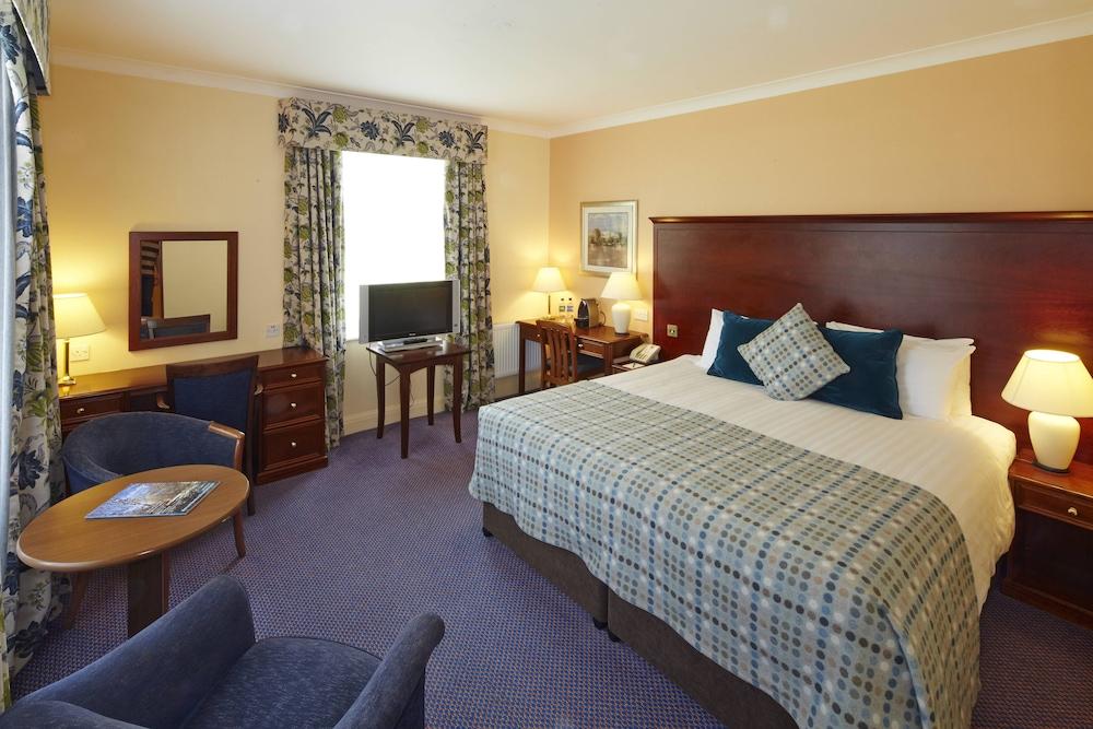 머큐리 뉴베리 엘코트 파크 호텔(Mercure Newbury Elcot Park Hotel) Hotel Image 3 - Guestroom
