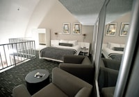 Suite, 1 King Bed, Non Smoking (Spiral Loft)