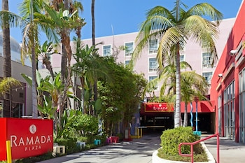 Hotel - Ramada Plaza by Wyndham West Hollywood Hotel & Suites