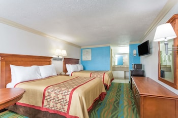 Guestroom at Days Inn by Wyndham Virginia Beach Town Center in Virginia Beach