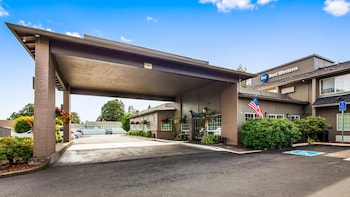 Hotel - Best Western Oak Meadows Inn