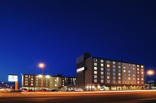 . Pomeroy Hotel & Conference Centre Grande Prairie