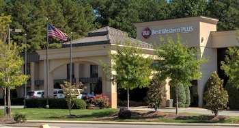 貝斯特韋斯特普拉斯卡瑞飯店 - 北卡羅來納州 Best Western Plus Cary Inn - NC State
