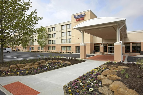 . Fairfield Inn & Suites by Marriott Cleveland Beachwood