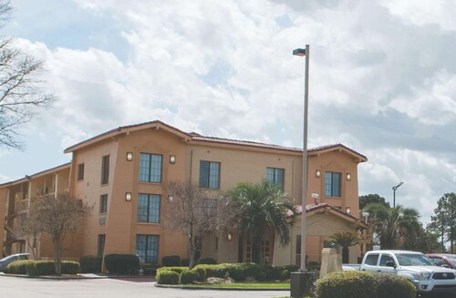. La Quinta Inn by Wyndham New Orleans Veterans / Metairie