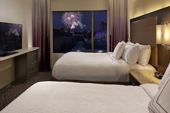 Suite, 1 Bedroom, Non Smoking (Theme Park View)