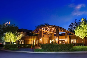 Hotel - Sheraton Milwaukee Brookfield Hotel