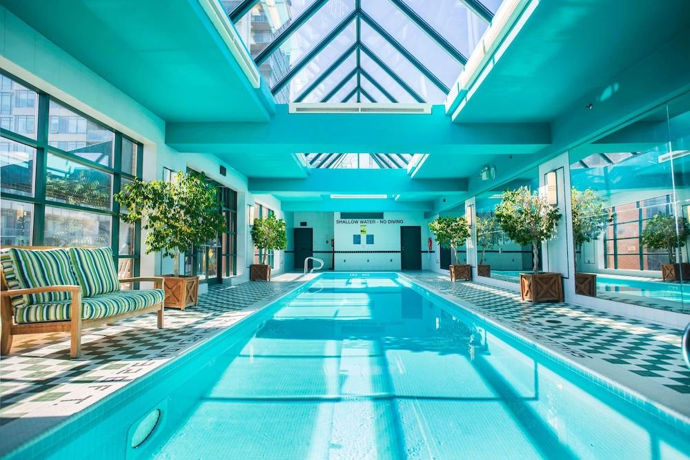 Hotel Pool