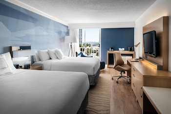 Room, 2 Queen Beds, Balcony, Harbor View (The Queen Mary view)