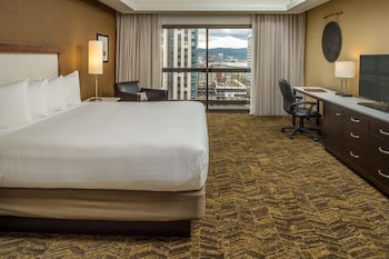 Suite, 1 King Bed, City View
