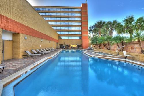 . Hilton Orlando/Altamonte Springs