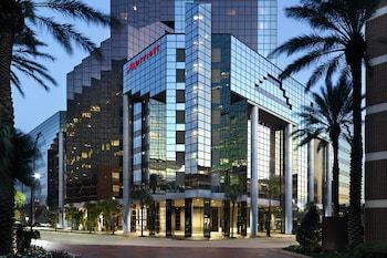 Hotel - New Orleans Marriott Metairie at Lakeway
