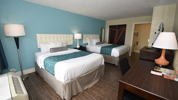 2 Queen Beds, Accessible, Non Smoking (Mobility Accessible)
