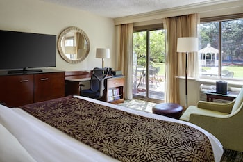 Guestroom at Detroit Marriott Livonia in Livonia