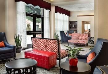 夏洛特機場希爾頓逸林飯店 DoubleTree by Hilton Charlotte Airport