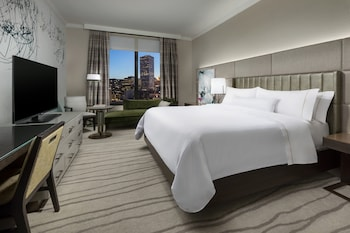 Superior Room, 1 King Bed, Non Smoking, City View
