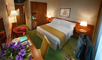 Classic Double Room (with double bed)