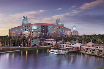 Hotel - Walt Disney World Swan