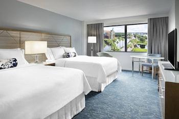 Room, 2 Queen Beds, Resort View