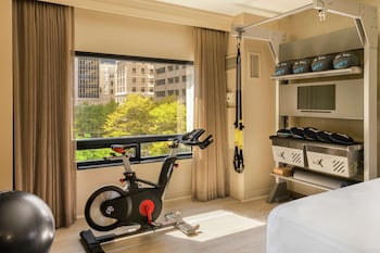 Room, 1 King Bed (Fitness 1 King)