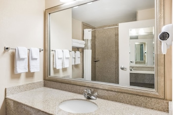 Harrisburg Vacations - Ramada by Wyndham Harrisburg/Hershey Area - Property Image 1