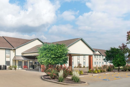 Ramada by Wyndham Springfield North, Sangamon