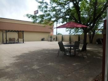 Clarion Inn - Terrace/Patio  - #0