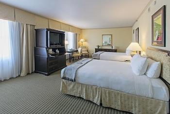 Deluxe Room, 2 Double Beds (Club)