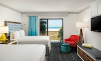 Deluxe Room, 2 Queen Beds, Kitchen, Beach View (Gulf Front)