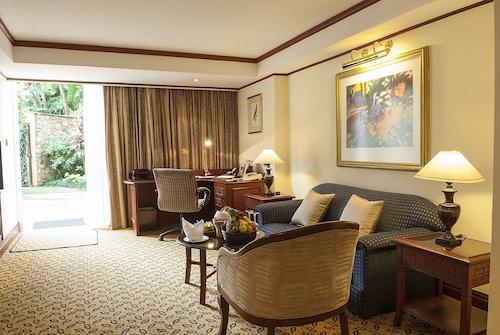 . Nairobi Serena Hotel