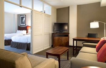 Two Queens Suite