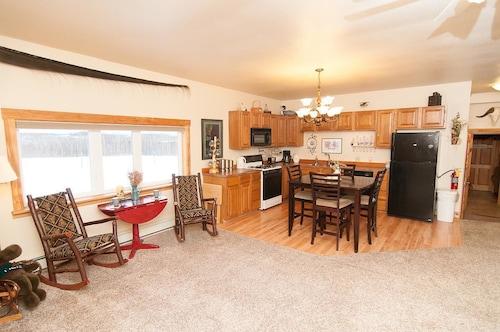 Pioneer Ridge Bed & Breakfast Inn, Matanuska-Susitna