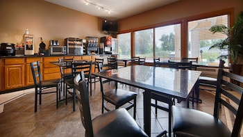 Best Western Crossroads Inn - Breakfast Area  - #0