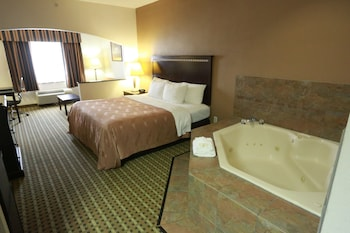 Guestroom at Quality Suites Burleson - Ft. Worth in Burleson