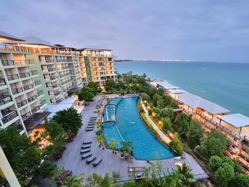. Royal Phala Cliff Beach Resort and Spa