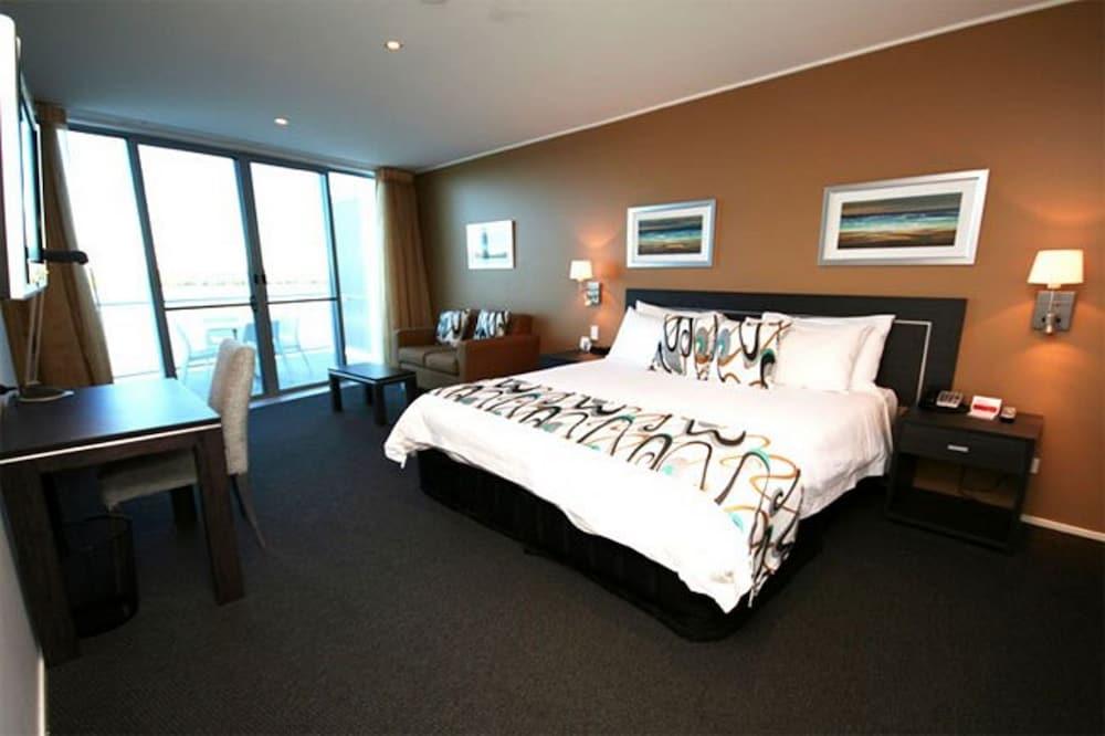 라마다 호텔 앤 스위트 발리나 바이런(Ramada Hotel and Suites Ballina Byron) Hotel Image 5 - Guestroom
