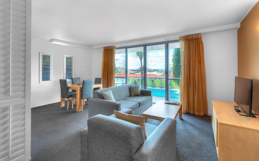 라마다 호텔 앤 스위트 발리나 바이런(Ramada Hotel and Suites Ballina Byron) Hotel Image 10 - Guestroom