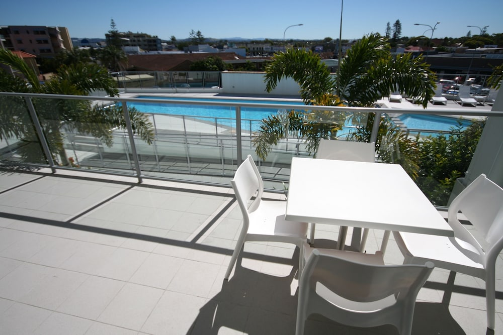 라마다 호텔 앤 스위트 발리나 바이런(Ramada Hotel and Suites Ballina Byron) Hotel Image 16 - Terrace/Patio