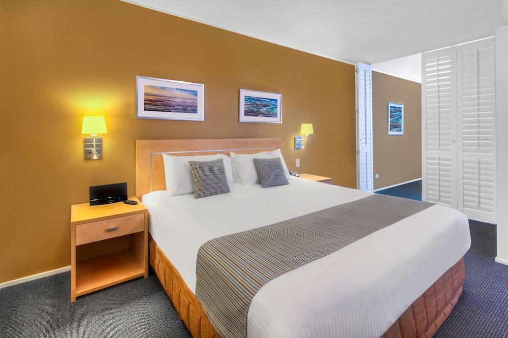 라마다 호텔 앤 스위트 발리나 바이런(Ramada Hotel and Suites Ballina Byron) Hotel Image 9 - Guestroom
